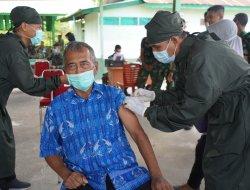 Korem 121/Abw Berikan Fasilitas Vaksin Bagi Purnawirawan Warakawuri dan KBT