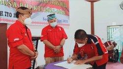 Hadiri Pengukuhan Ketua PDKS Tayan Hulu, Wabup Sanggau Berpesan Agar Selalu Menjaga Persatuan
