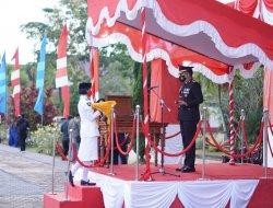 Kapolres Sekadau Pimpin Upacara Penurunan Bendera HUT Kemerdekaan RI Ke-76