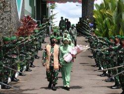 Pedang Pora dan Cium Pataka Warnai Pelepasan Brigjen TNI Djaka Budhi Utama