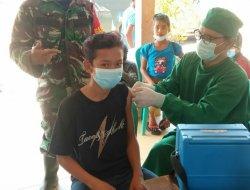 Tingkatkan Herd Immunity, Babinsa Toho Bersama Nakes Terus Gencarkan Vaksinasi Covid-19